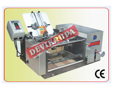 Semi Automatic Wet Glue Labeling Machine In India
